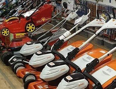 Battery Lawnmower Showroom