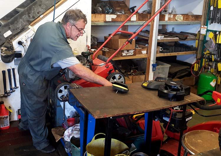 Wrights Mowers Workshop